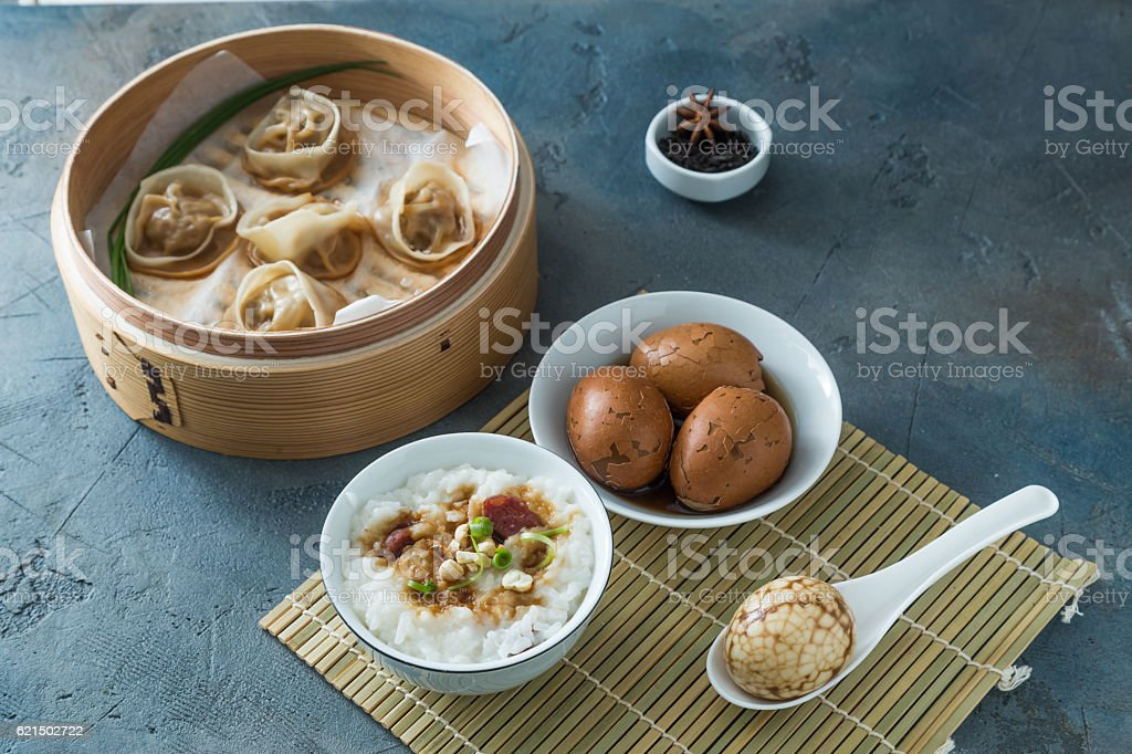 Shelled Hard Boiled Chinese Marbled or Tea Eggs foto stock royalty-free