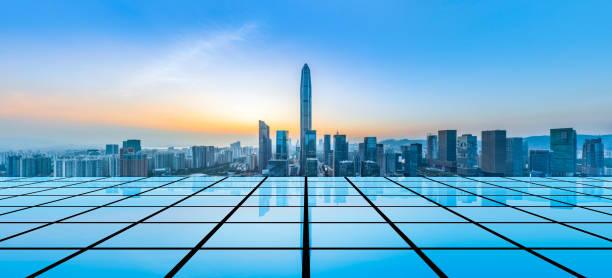 Paisaje de la ciudad de Shenzhen y el concepto de Big Data - foto de stock