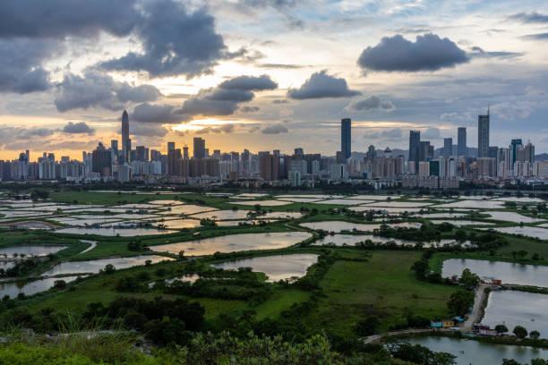 Shenzhen Hong Kong border at sunset – zdjęcie