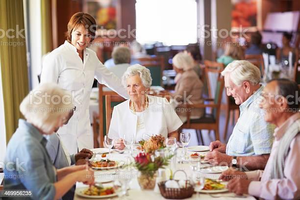 Shes a conscientious waitress picture id469956235?b=1&k=6&m=469956235&s=612x612&h=y94bqourxb0er3xn9xnxgnnlipjjylg1ushygctkx20=