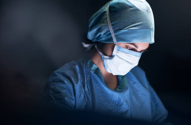 she's one of the most notable in her profession - surgeon стоковые фото и изображения