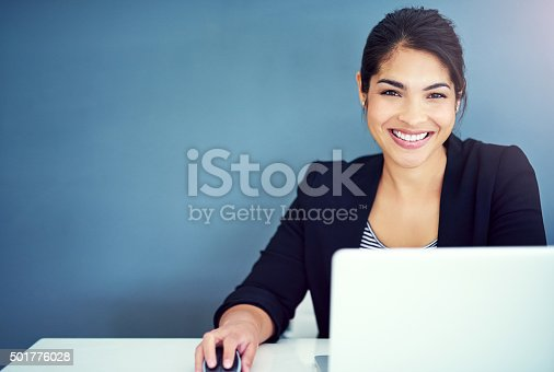 Shot of a young businesswoman working at her deskhttp://195.154.178.81/DATA/i_collage/pi/shoots/806154.jpg