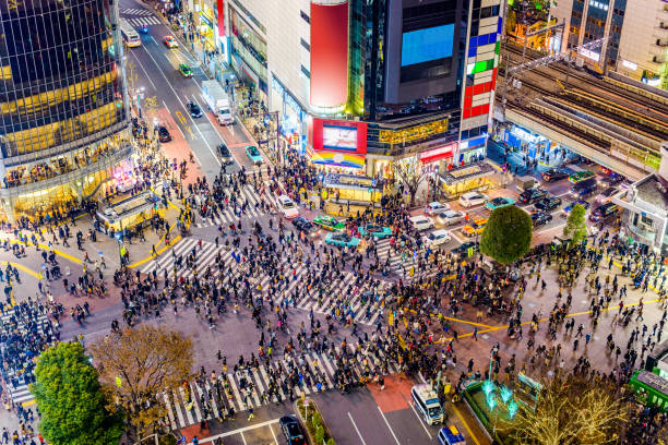 shibuya, tokyo, japon - affluence photos et images de collection