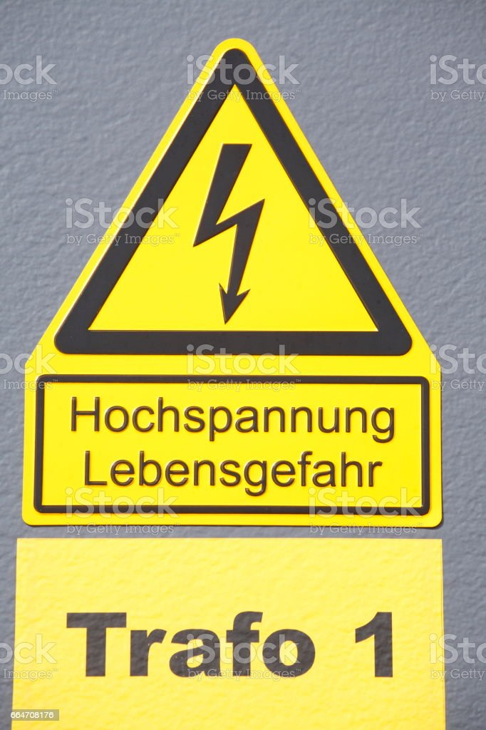 Schild Hochspannung stock photo