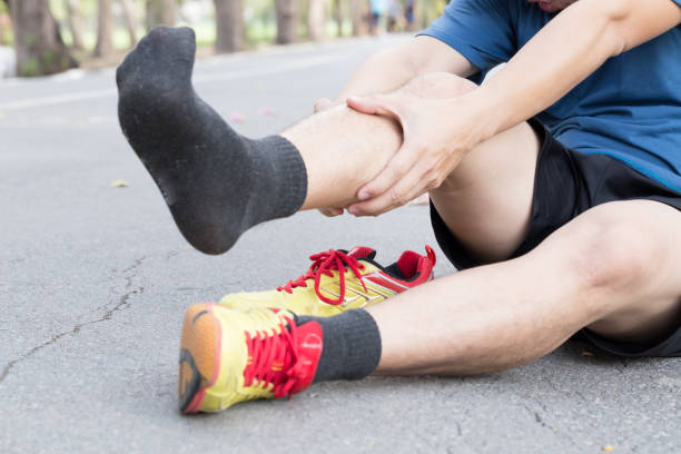 lésion osseuse shin du syndrome de la gouttière en cours d'exécution, - mi jambe photos et images de collection