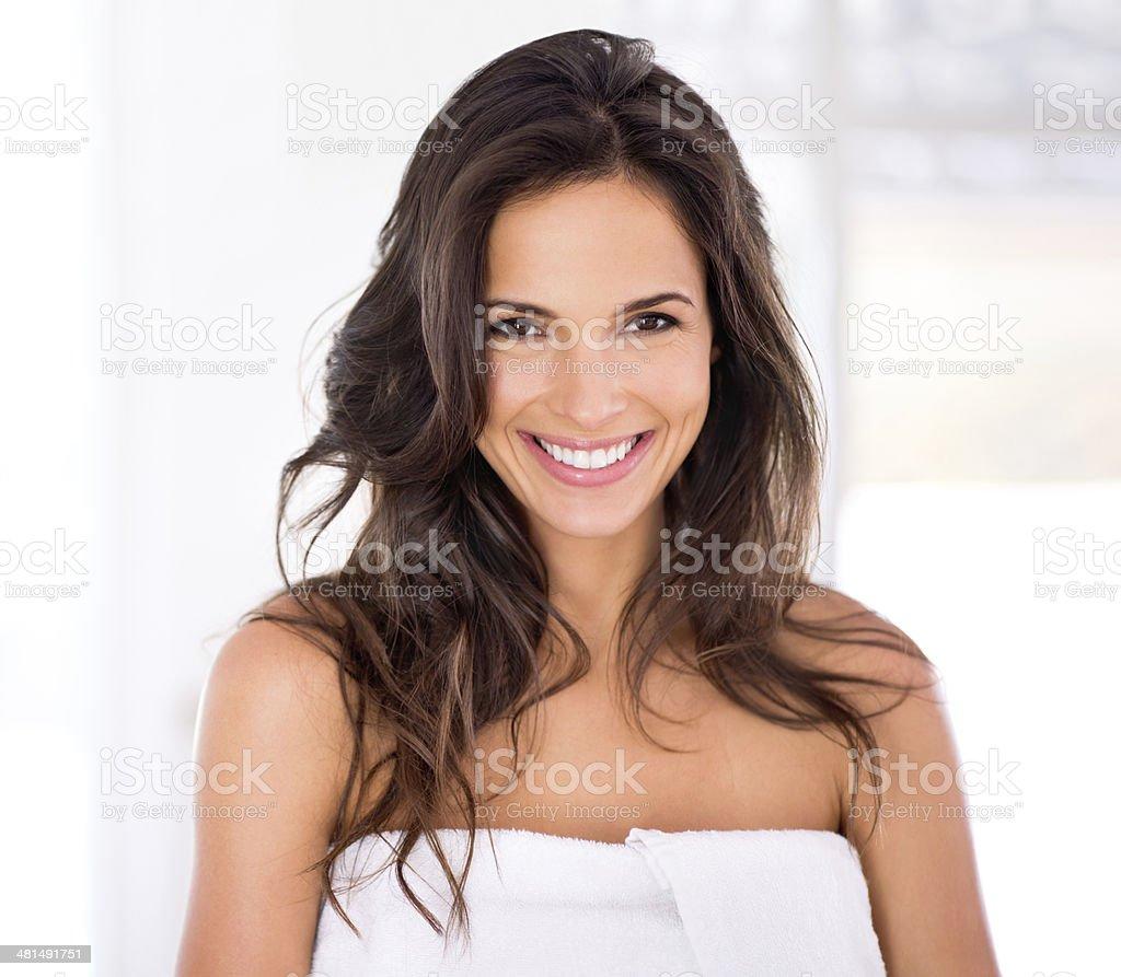 Glänzendes Haar und raidant Lächeln für Sie und Ihn – Foto