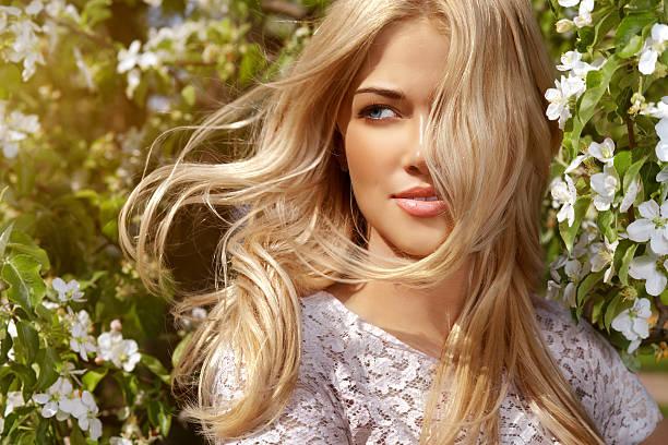 shiny portrait of beautiful happy woman - sarı saç stok fotoğraflar ve resimler