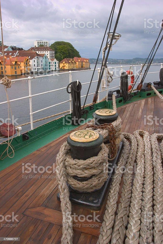Kreuzfahrtschiff im Hafen – Foto