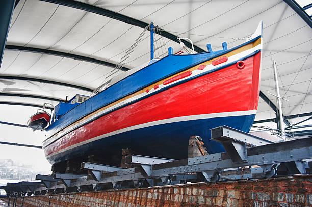 construcción naval - gran inauguración fotografías e imágenes de stock