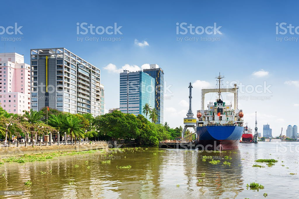 Ships on Saigon River in Ba Son Shipyard, Vietnam royaltyfri bildbanksbilder