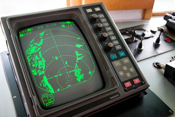 schiff radar bildschirm - steuerungstechnik stock-fotos und bilder