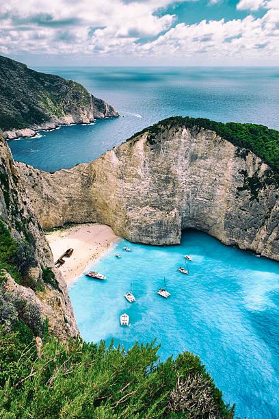 shipwreck beach of zakynthos - grekiska övärlden bildbanksfoton och bilder