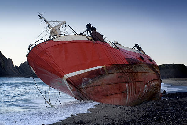 shipwreck - wreck of the ss yongala stock pictures, royalty-free photos & images