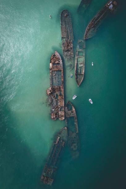 shipwrecks at moreton island tangalooma wrecks - wreck diving stock pictures, royalty-free photos & images