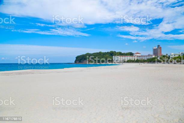 Shirahama beach in wakayama prefecture japan picture id1167176510?b=1&k=6&m=1167176510&s=612x612&h=puwixq09pcumhme17imm18cavsn4wcdmp17lefgmnnk=