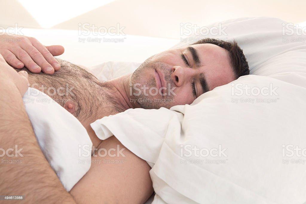Schlafen nackt oberkoerper photos 17