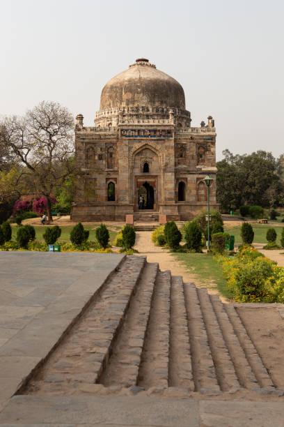 Schal Gumbad (verglaste Kuppel) in Lodhi Gardens – Foto