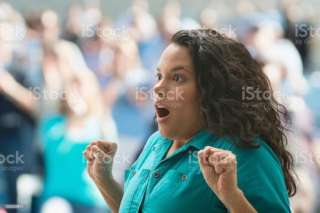 Shocked hembra spectator - foto de stock