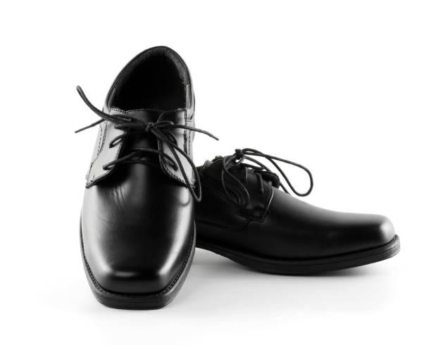 Schuhe schwarz Leder isoliert auf weißem Hintergrund – Foto