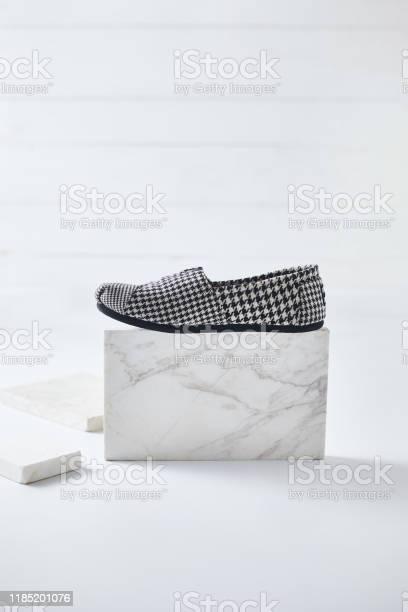 Shoes espadrilles on white background picture id1185201076?b=1&k=6&m=1185201076&s=612x612&h=uzztlloasjbu1m6bxisobvypidwbfpkc5etyt6ll17m=