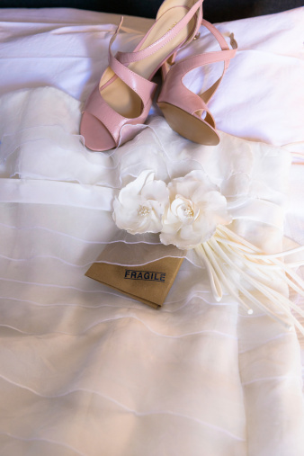 578573556 istock photo Shoes of the bride. 511743045