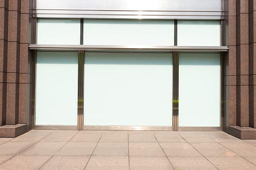 Foto de Frente De Loja Boutique Loja Com Janela Grande E Coloque Para Nome e mais fotos de stock de Arquitetura