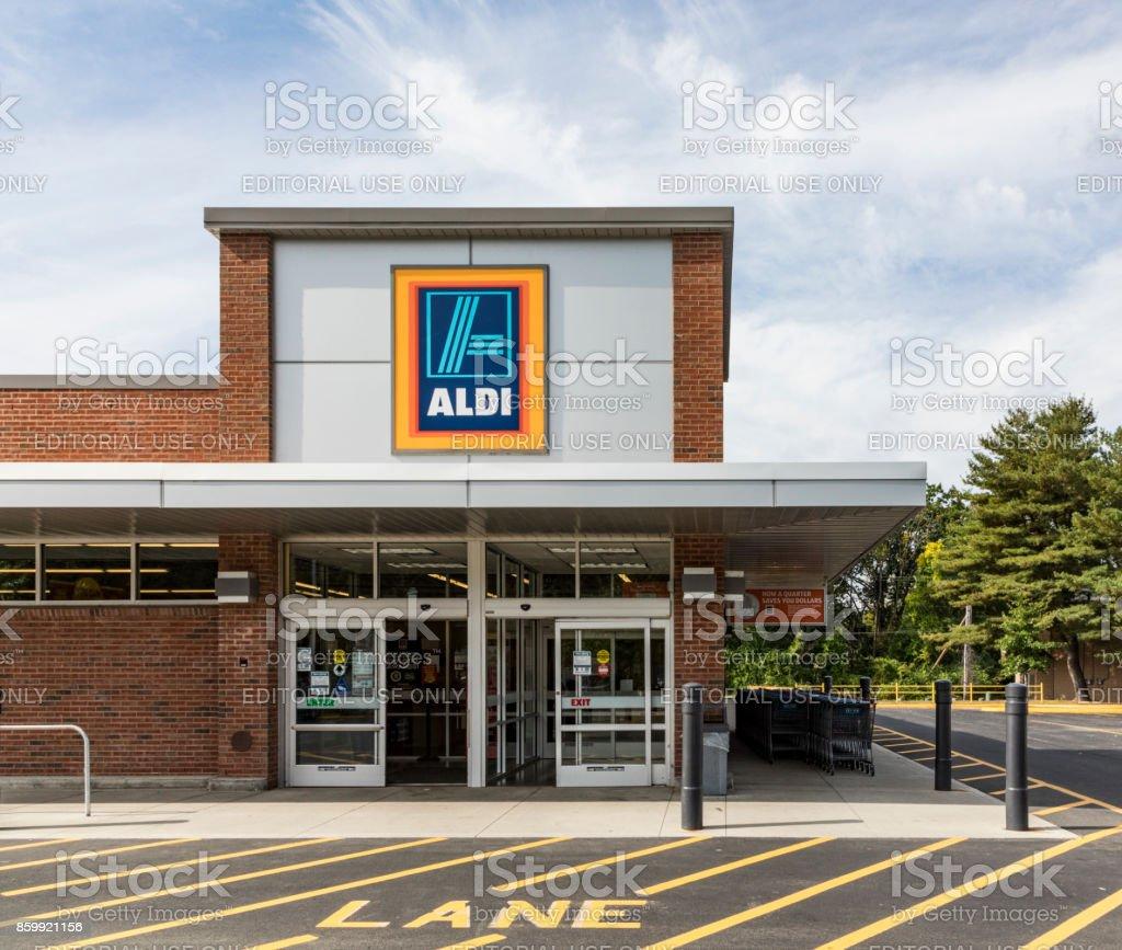 tienda de supermercado Aldi en Brattleboro - foto de stock