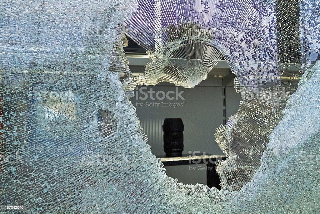 shop Fensterscheiben zerdrückte von Einbrecher – Foto
