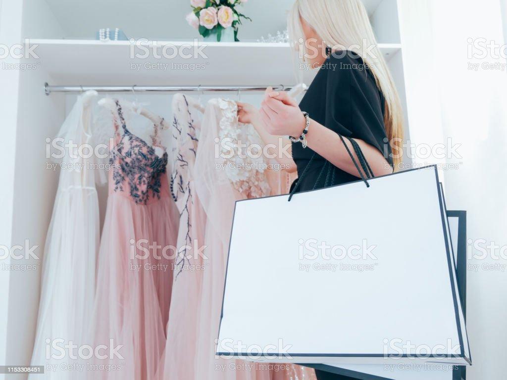 Compras De La Adicción De La Mujer Vestido De Noche Boutique