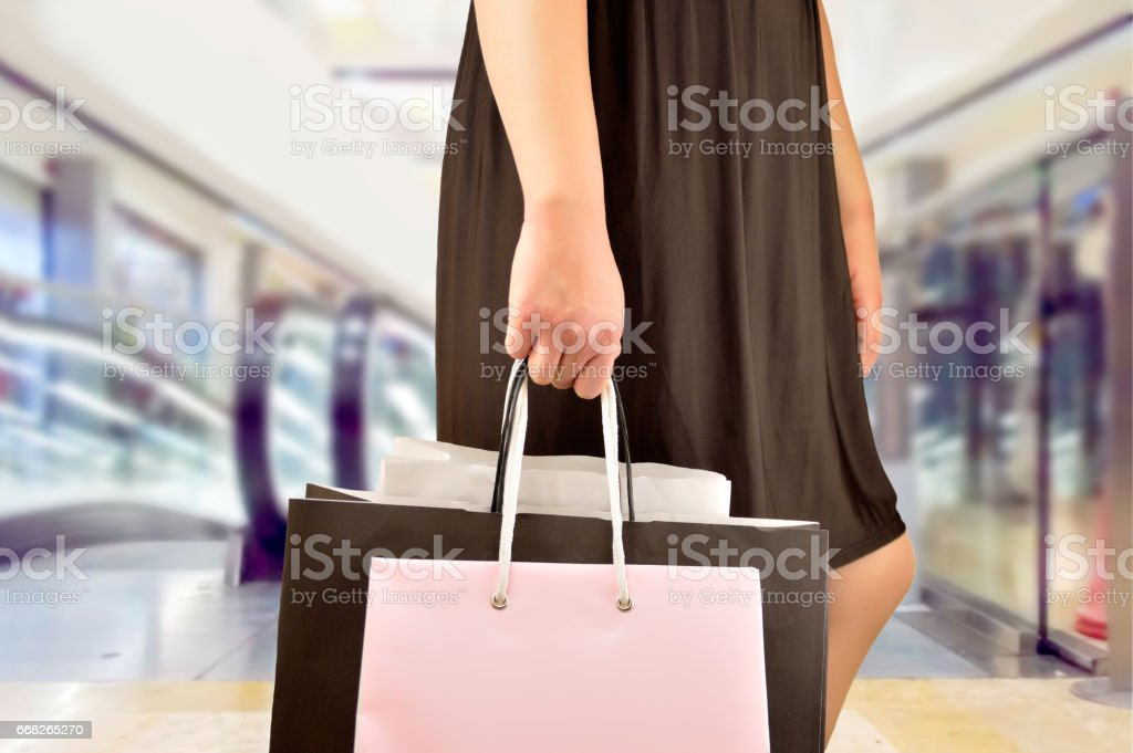 shopping at the mall center foto stock royalty-free