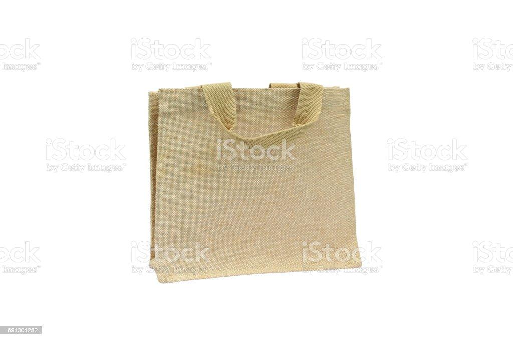 Sacola de compras feita de saco de Hessian reciclado em fundo branco. - foto de acervo