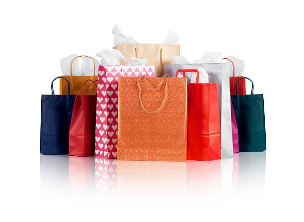 Bolsas de compras con trazado de recorte - foto de stock