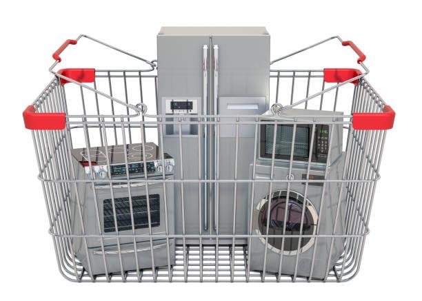 einkaufskorb voller küchengeräte, 3d-renderung isoliert auf weißem hintergrund - mikrowellen warenkorb stock-fotos und bilder