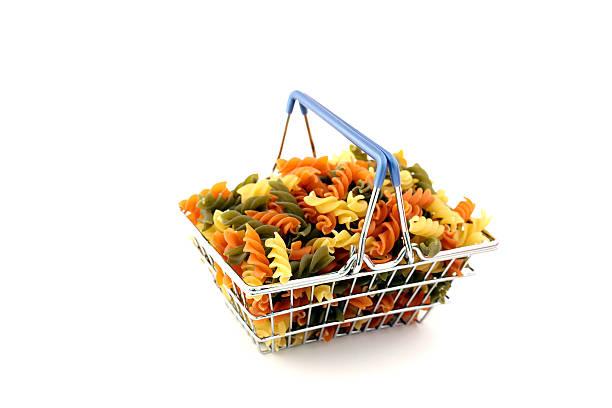 shopping basket with colorful noodles - kochen mit oliver stock-fotos und bilder