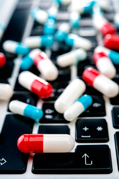 Einkaufswagen voller Medikamente – Foto