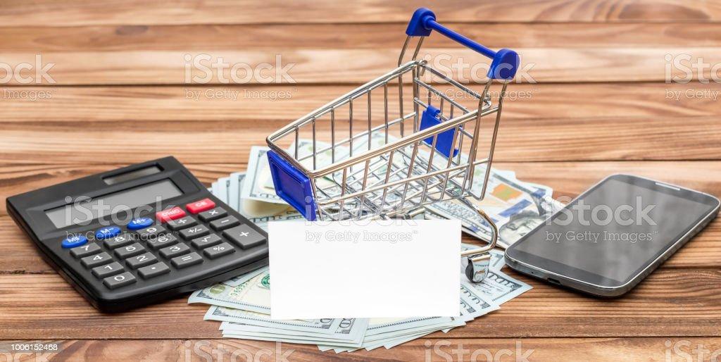 Warenkorb Leer Visitenkarte Geld Rechner Und Smartphone Auf