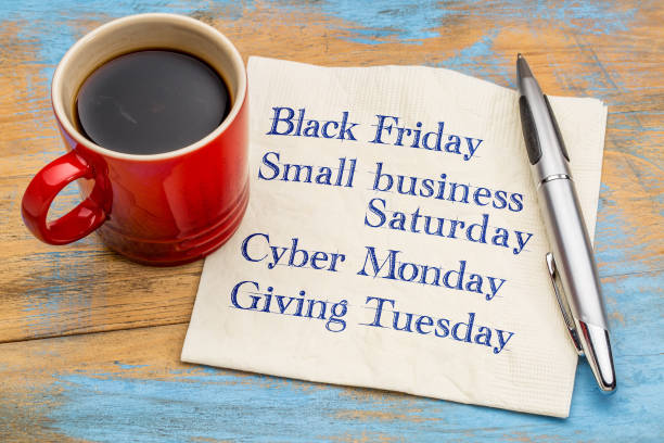 días después de acción de gracias día de compras - giving tuesday fotografías e imágenes de stock