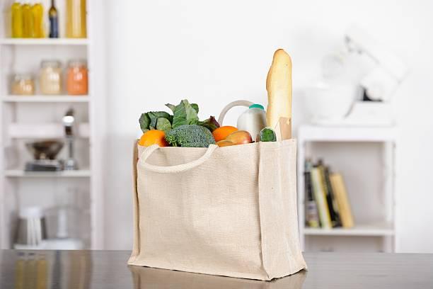Einkaufsmöglichkeiten/Lebensmittel In einem ökologischen/umweltfreundliche Tasche – Foto