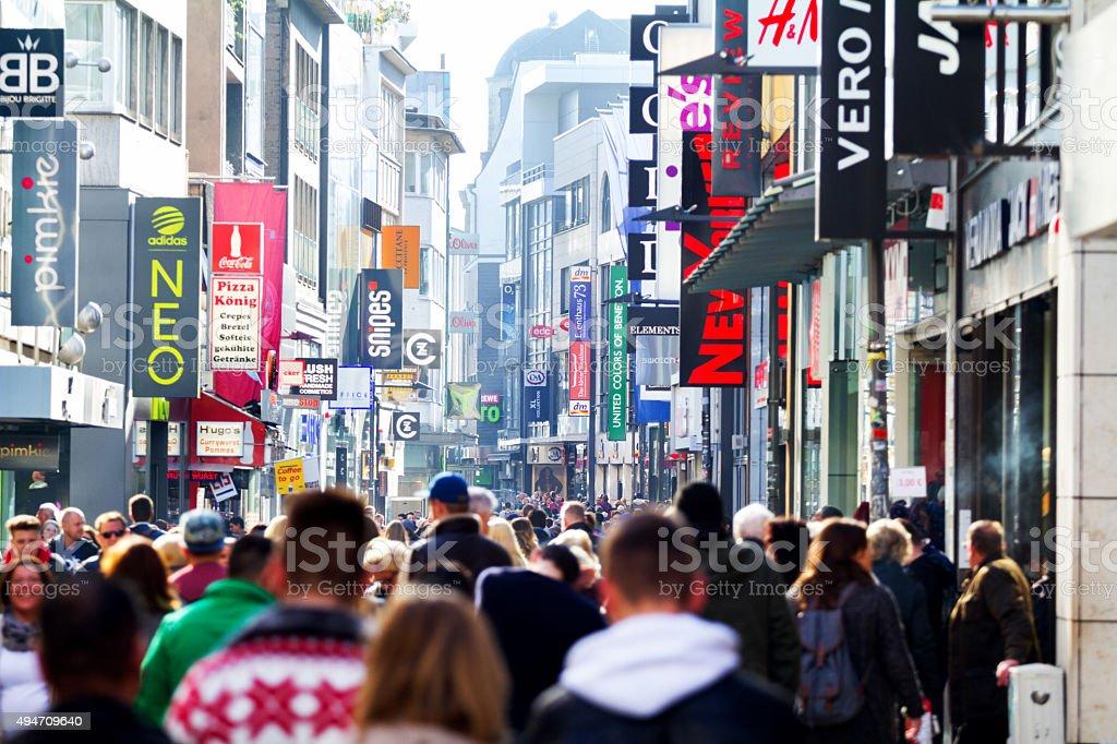Shopping in Hohe Straße von Köln – Foto