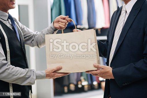 istock Shopping man 1126306340