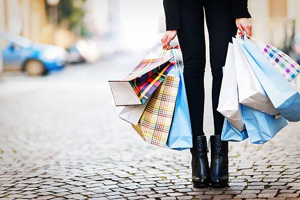 ショッピング街 - 沢山の物 ストックフォトと画像
