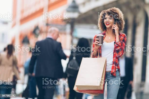 Shopping picture id947982282?b=1&k=6&m=947982282&s=612x612&h=my8inopm91in4en60amjadppb1g6rai5kfmlmkiplpy=