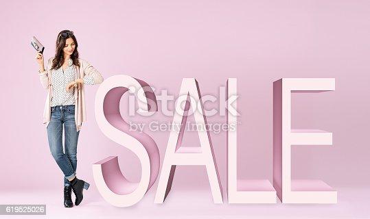 istock Shopping sale 619525026