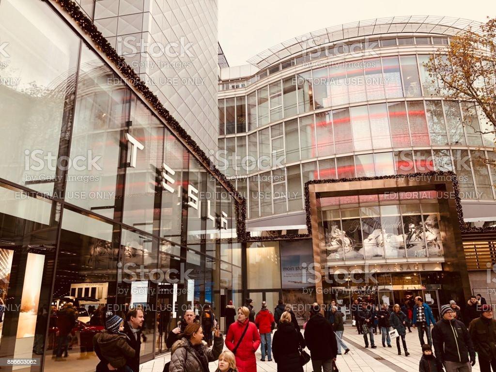 verschiedene Arten von tolle Auswahl großer Rabattverkauf Shopping Street In Stuttgart Germany Stock Photo - Download ...