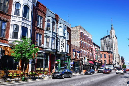 Shopping Street In Wicker Park Chicago Stock Photo - Download Image Now