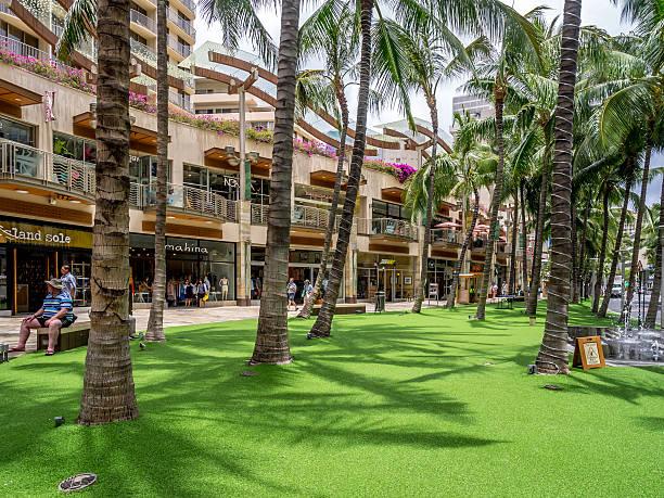 Shopping striscia di Kalakaua Avenue - foto stock
