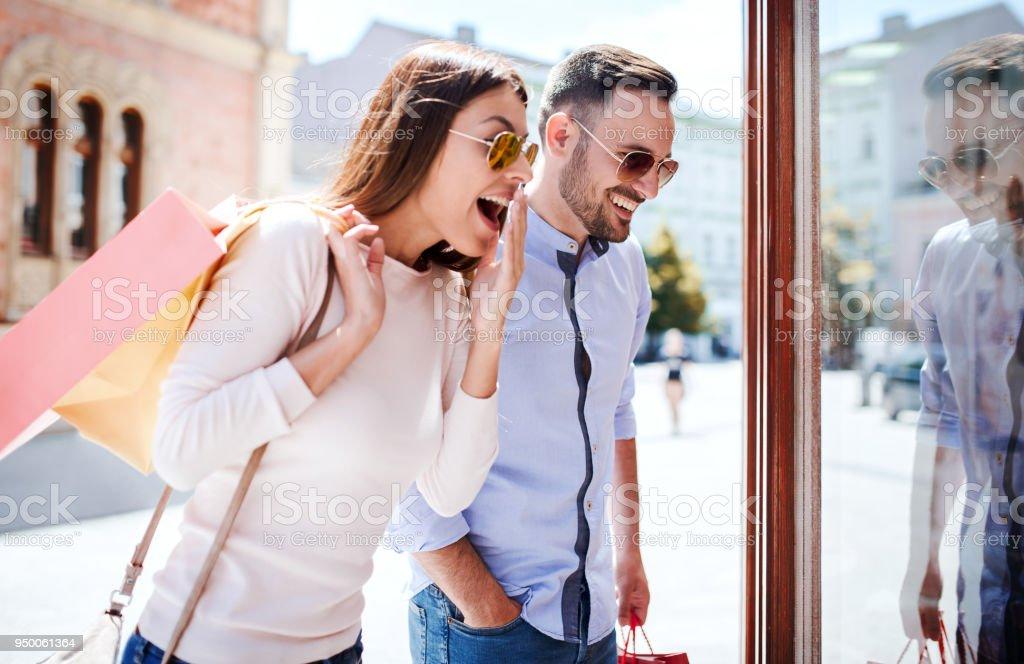 dating som shopping Max danser med stjernene dating Erin