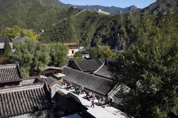 Geschäfte und Gebäude am Eingang zur Chinesischen Mauer – Foto
