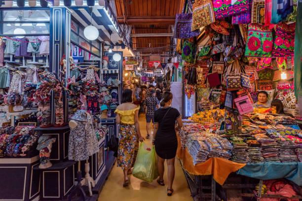 乍都乍週末市場的商店 - small business saturday 個照片及圖片檔