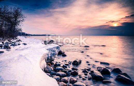 istock Shore lake 840662014